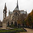 パリ・ノートルダム寺院裏の公園