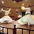 メヴラーナの祈りの踊り