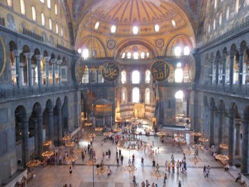 イスタンブールのアヤソフィア寺院